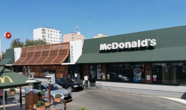 Angajat infectat cu coronavirus la McDonald's Șelimbăr. Șefa unității acuzată de abuz
