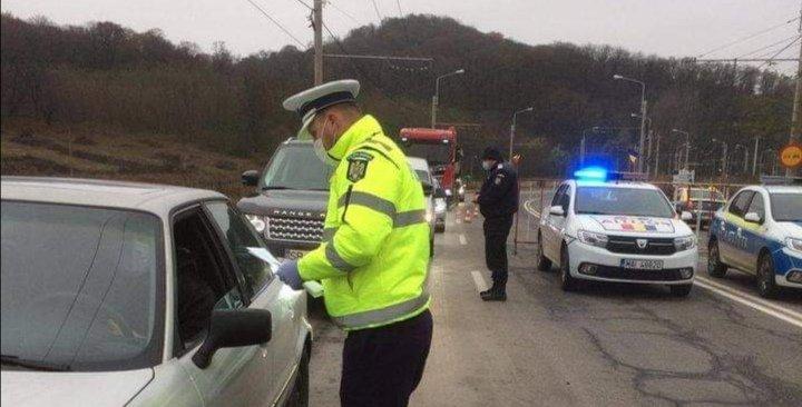FOTO: Filtre de poliție la intrările și ieșirile din Mediaș, Avrig și Orlat  - Sibiu Independent