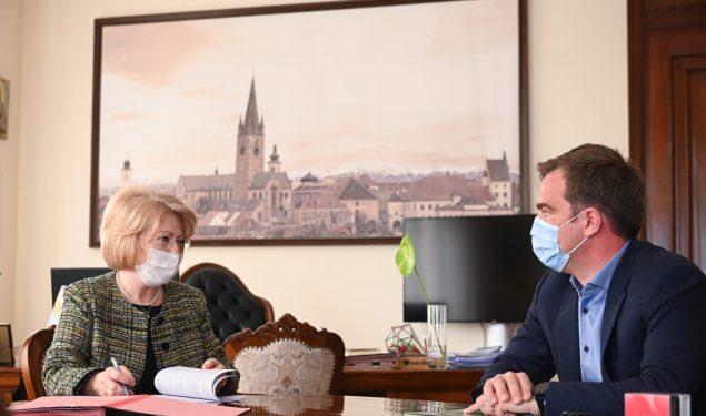 Două investiții majore pentru unitățile de învățământ din Sibiu