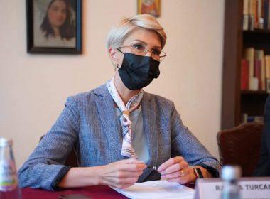 """Raluca Turcan: """"Reprezentanții cultelor din Sibiu, au propus soluții cu posibil impact în accelerarea procesului de vaccinare"""""""
