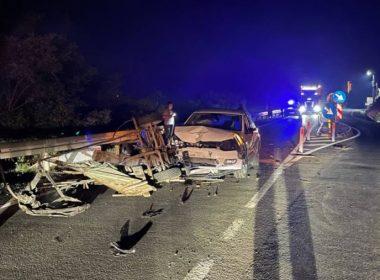 FOTO: Căruță spulberată de o mașină, la intrare în Slimnic