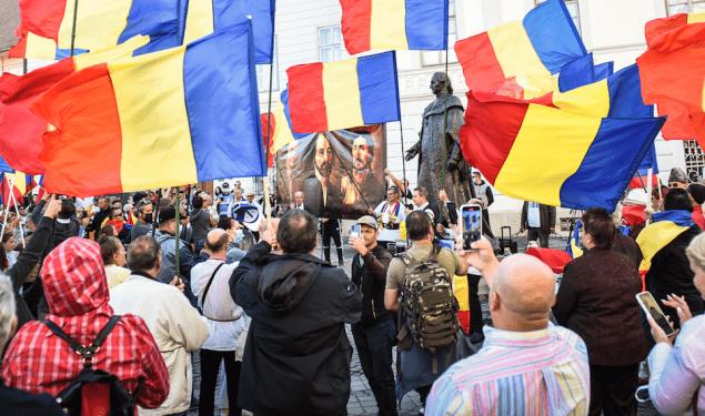 Urmările protestului de la statuia lui Samuel von Brukenthal. Amendă de 10.000 de lei și împărțirea societății în două tabere