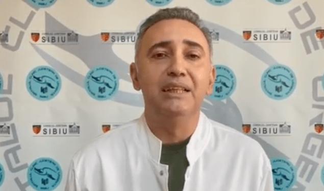 """VIDEO: Șeful UPU Sibiu, Dr. Med. Constantin Roșca: """"Pe cei ce nu cred în vaccin sau virus, îi invit să vină să vadă…."""""""